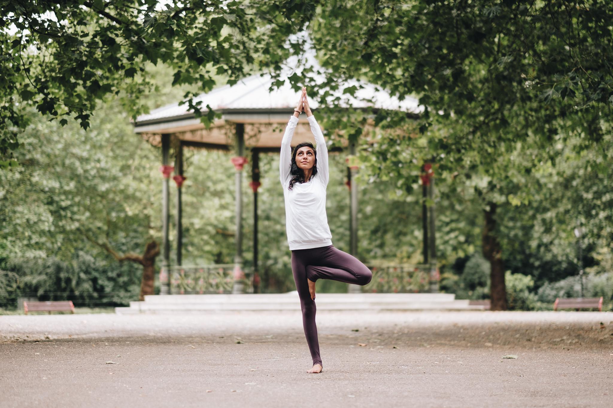 FXT11508 Zainab London Yoga Photography Zainab   Yoga Photography   Battersea Park, London