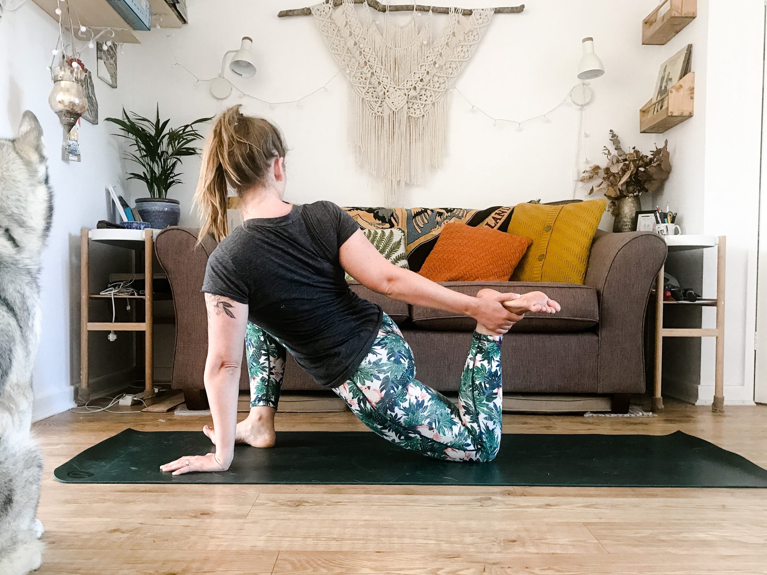 how to take your own yoga photos on a phone scaled How to take your own yoga photos with a phone